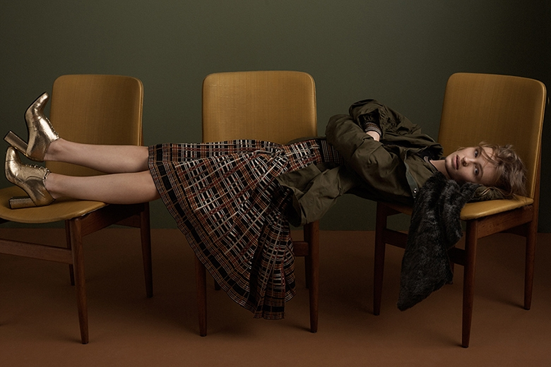 A Single Woman | Pages Digital | Juli Balla | Fashion Styling | Janai Anselmi